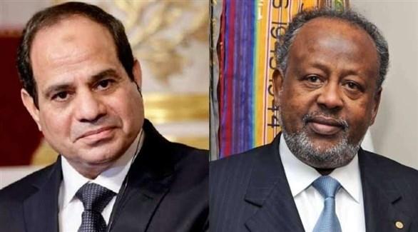 الرئيسان الجيبوتي إسماعيل عمر جيلة والمصري عبدالفتاح السيسي (أرشيف)
