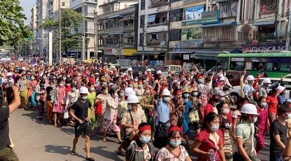 محتجون في ميانمار (أرشيف)