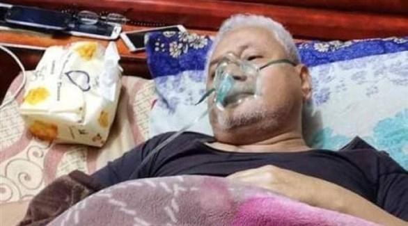 القيادي الجنوبي في منزله أثناء العلاج (عكاظ)