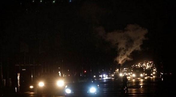 أحد شوارع العاصمة الليبية طرابلس  بعد انقطاع الكهرباء (تويتر)