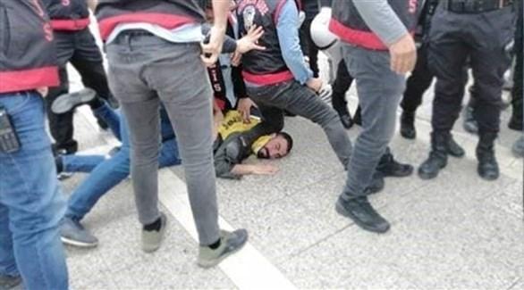 الحادثة التي أشعلت الغضب الشارع ضد الشرطة في تركيا (تويتر)