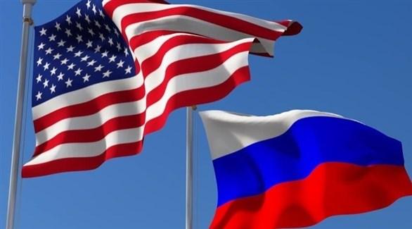 العلمان الروسي والعلم الأمريكي (أرشيف)