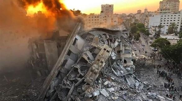 أنقاض مبنى دمرته غارة إسرائيلية في غزة (تويتر)