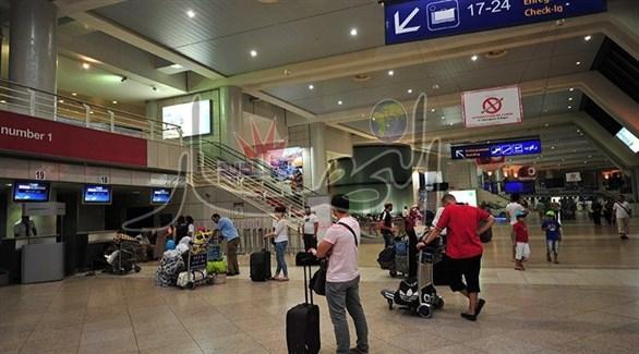 مسافرون في مطار هواري بومدين بالجزائر (أرشيف)