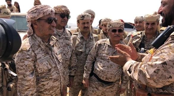 زيارة اللواء القميري لمواقع الجيش اليمني (أرشيف)