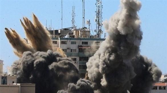 لحظة قصف برج الجلاء في غزة (أرشيف)