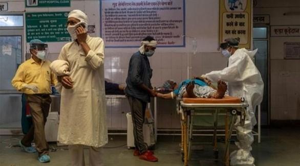 الهند تسجل 326 ألف إصابة جديدة بكورونا
