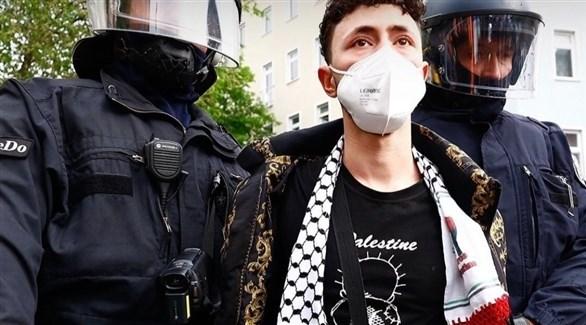 الشرطة الألمانية تعتقل متظاهراً متضامناً مع فلسطين (أرشيف)