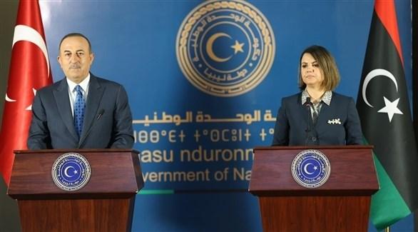 وزيرة الخارجية الليبية نجلاء المنقوشي ونظيرها التركي جاويش أوغلو (أرشيف)