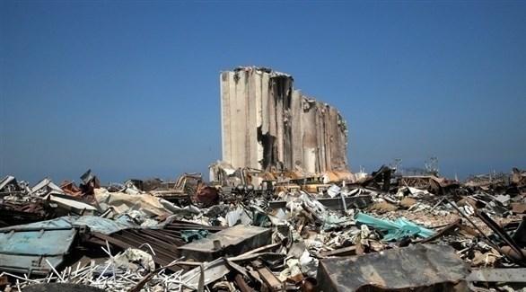 مشهد عام لمرفأ بيروت بعد أيام على انفجار الحاويات فيه (أرشيف)