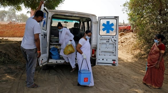 الكوادر الطبية في أحد القرى الهندية (أرشيف)