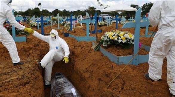 تشييع ضحايا كورونا في البرازيل (أرشيف)