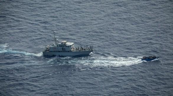 البحرية الليبية أثناء مطاردة قارب المهاجرين في المتوسط (Sea-Watch)