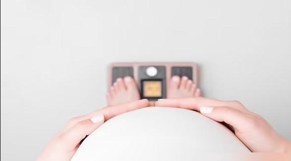 الأمهات البدينات يعرضن أطفالهن لمشاكل 202172714451536JV.jp