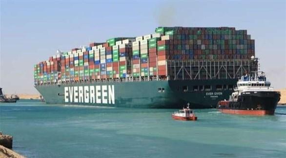 سفينة إيفر غفين خلال تواجدها في قناة السويس (أرشيف)