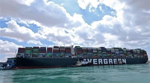 سفينة إيفرغيفن التي علقت في مجرى قناة السويس (أرشيف)