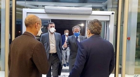 المدير العام للوكالة الدولية للطاقة الذرية لدى استقباله في طهران (أ ب)