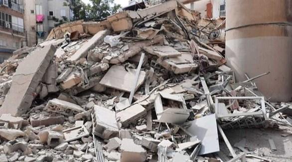 أنقاض المبنى المنهار في تل أبيب (تويتر)