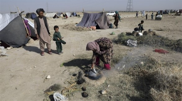 نازحون أفغان في مخيم عشوائي (أرشيف)