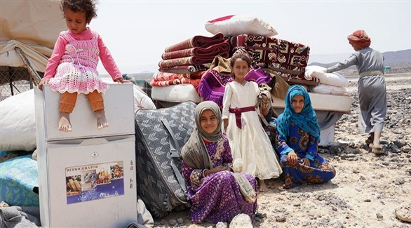 أطفال في مخيم عشوائي للنازحين اليمنيين في مأرب (أرشيف)