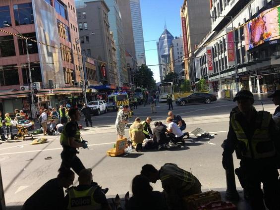 عملية دهس في مدينة ملبورن الأسترالية والشرطة تعتقل المنفذ 1111.jpg
