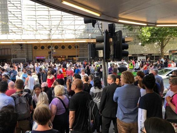 عملية دهس في مدينة ملبورن الأسترالية والشرطة تعتقل المنفذ eNP8mePSvKnfAiA6ylWw