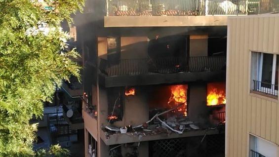 بالفيديو: انفجار في مبنى بمحطة بريميا دي مار السياحية قرب برشلونة  بالفيديو: انفجار في مبنى بمحطة بريميا دي مار السياحية قرب برشلونة
